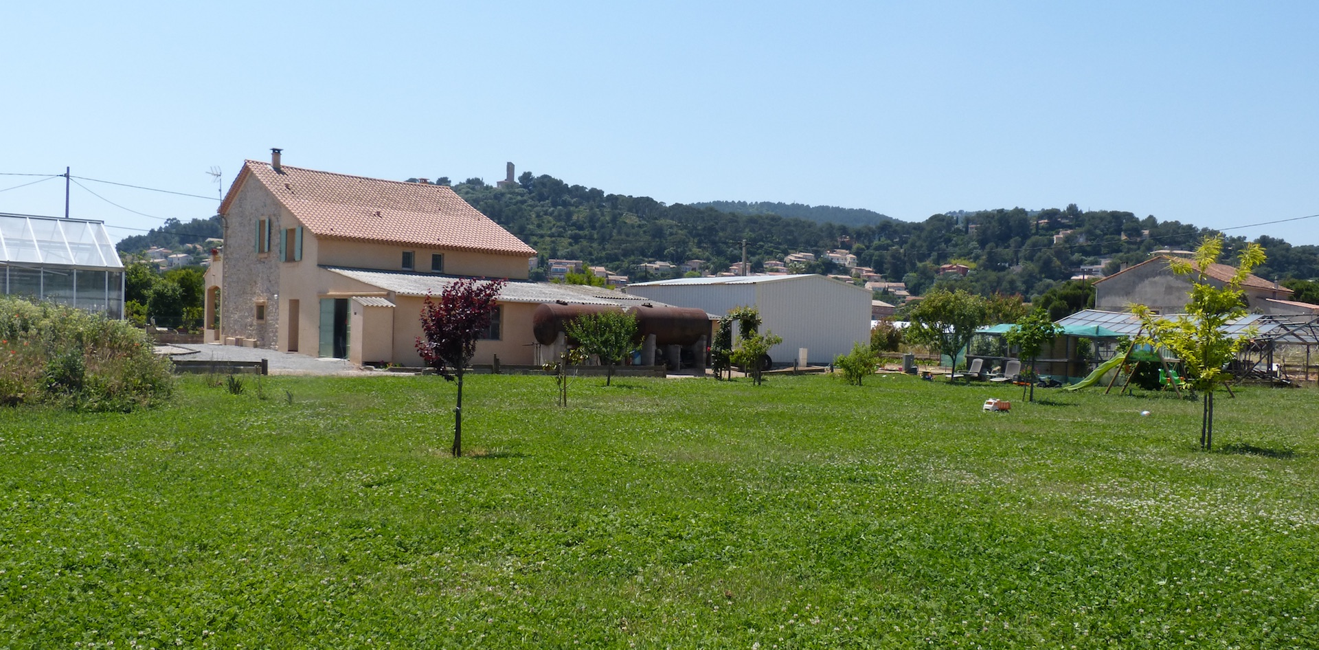 Holiday cottage and Bed & Breakfast at Hyères (Var, 83)