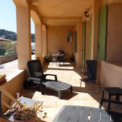 Private terrace, furnished with an barbecue, outdoor table, sunbathing...